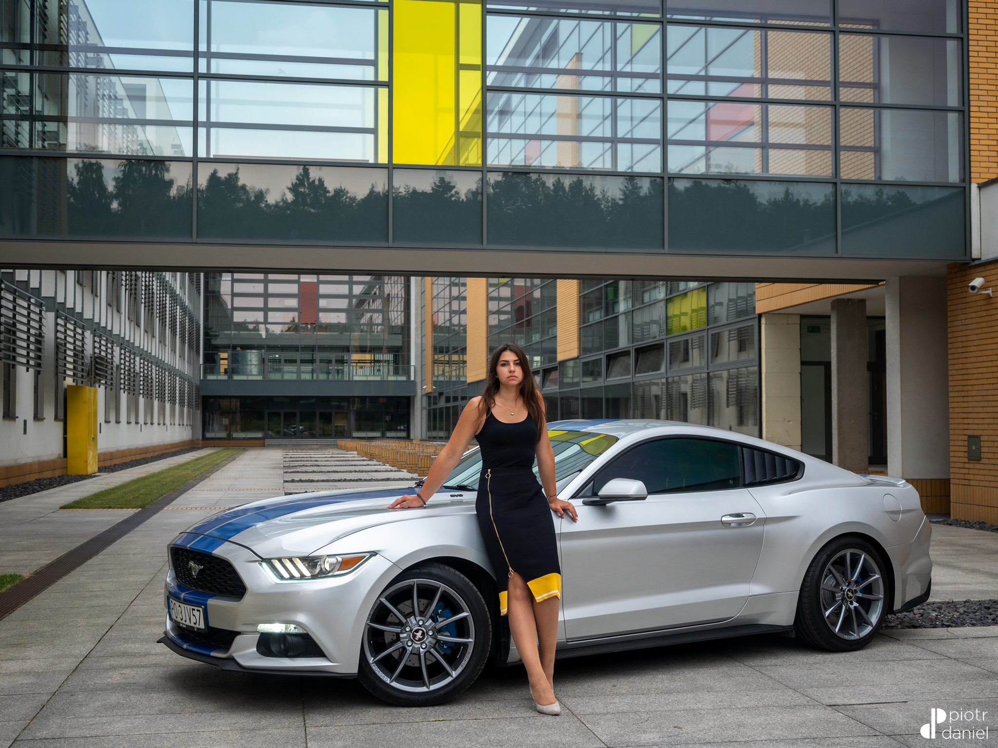 Julia And The Mustang