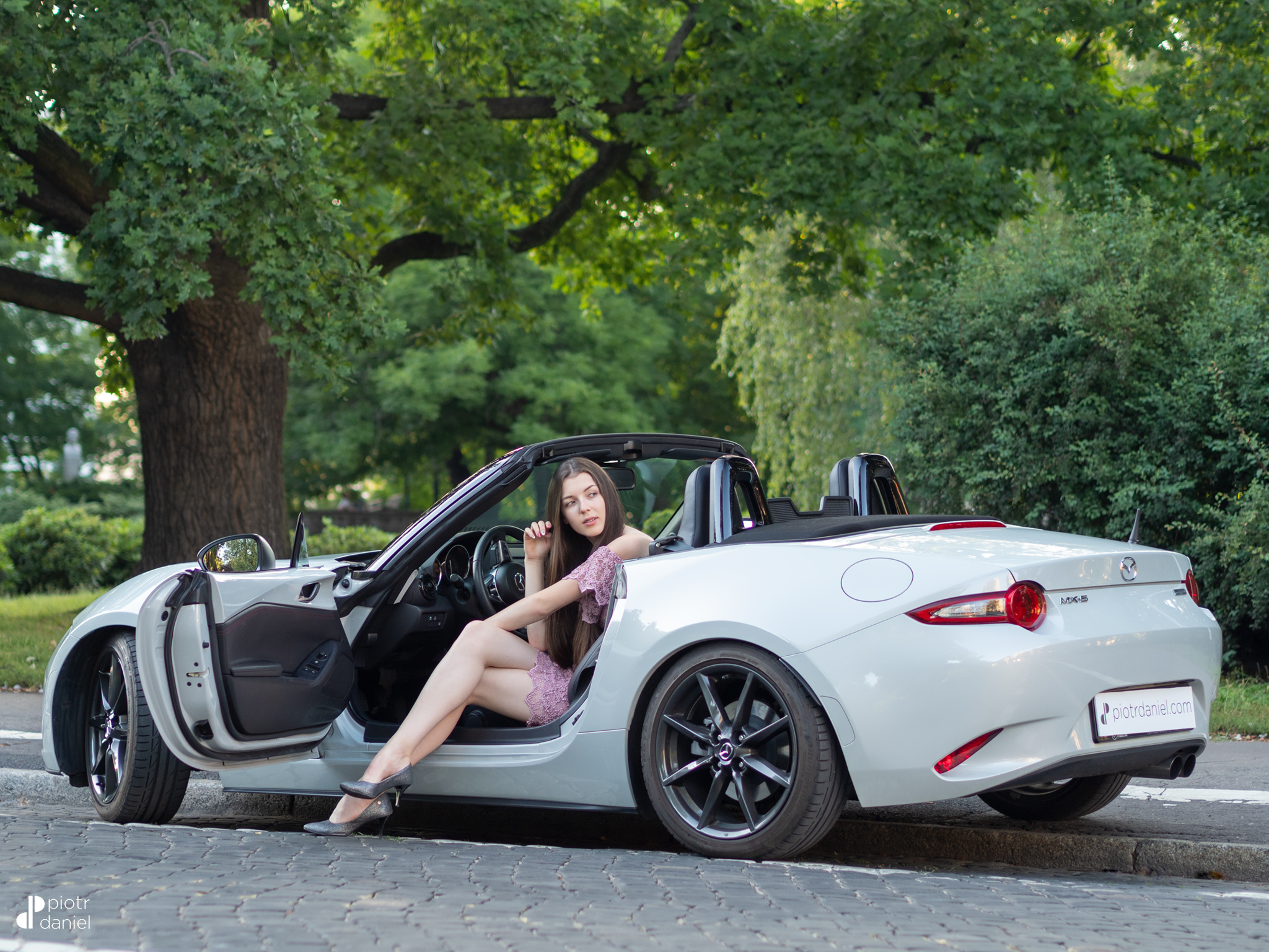The Miata And The Girl